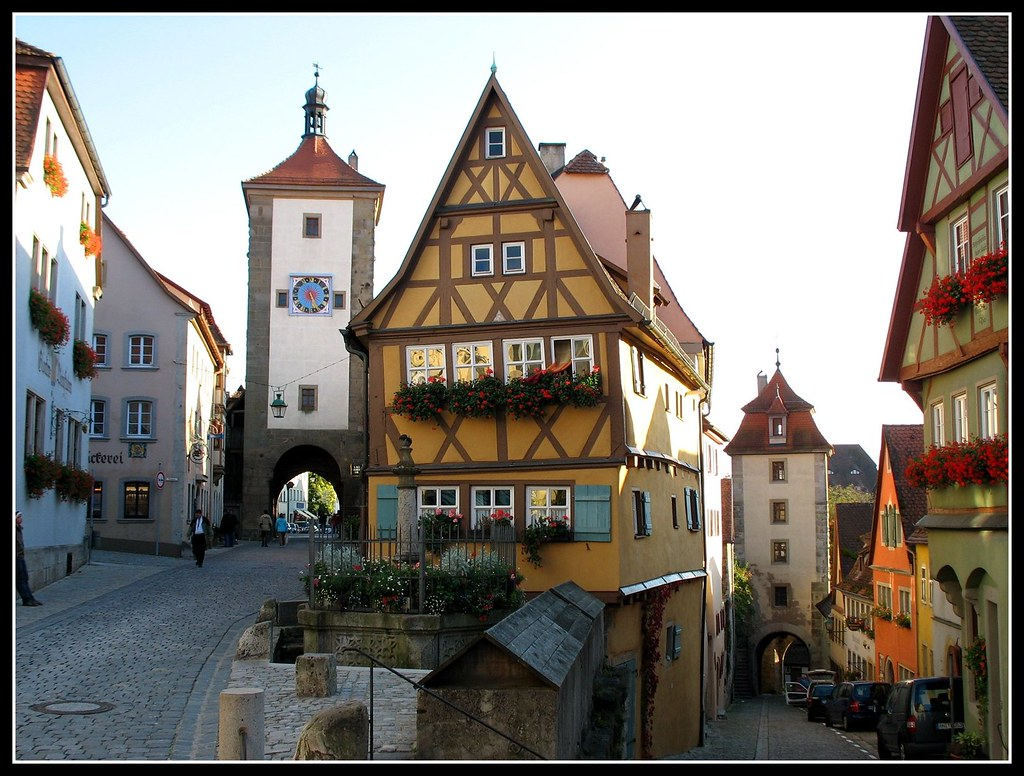 on black the most famous place rothenburg ob der tauber. Black Bedroom Furniture Sets. Home Design Ideas