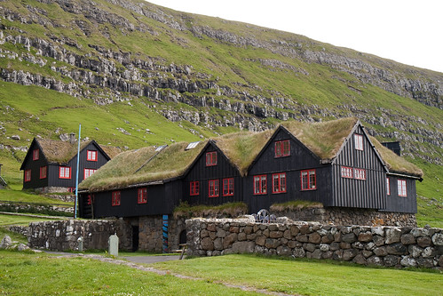 Travelogue of An Armchair Traveller: Oldest Wooden House In