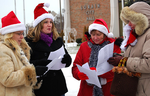Downtown Lorain Caroling fundraiser for Palace