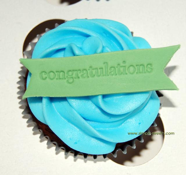 congrats cupcakes