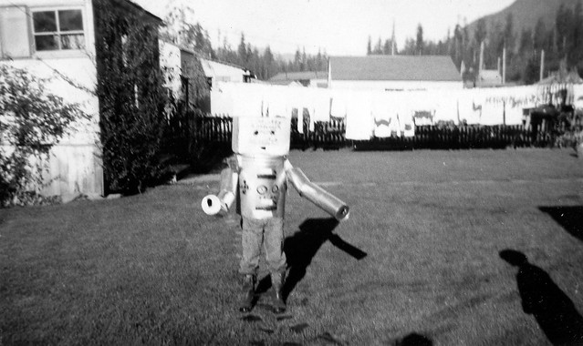 Dennis Robot Halloween 1954