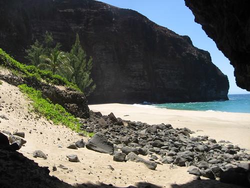 honopu arch, west beach
