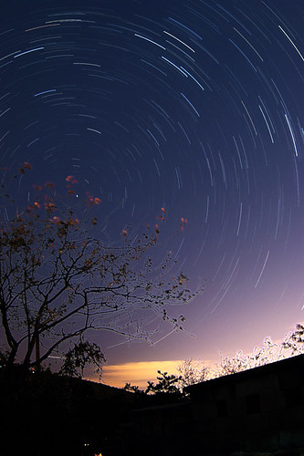 북천일주 startrails in seoul | by ngc4594