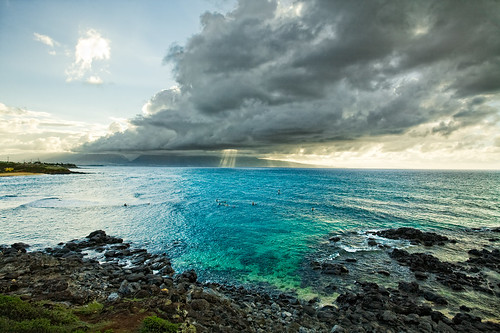 ocean sunset clouds landscape hawaii surf pacific maui surfing northshore rays pavillions hookipa