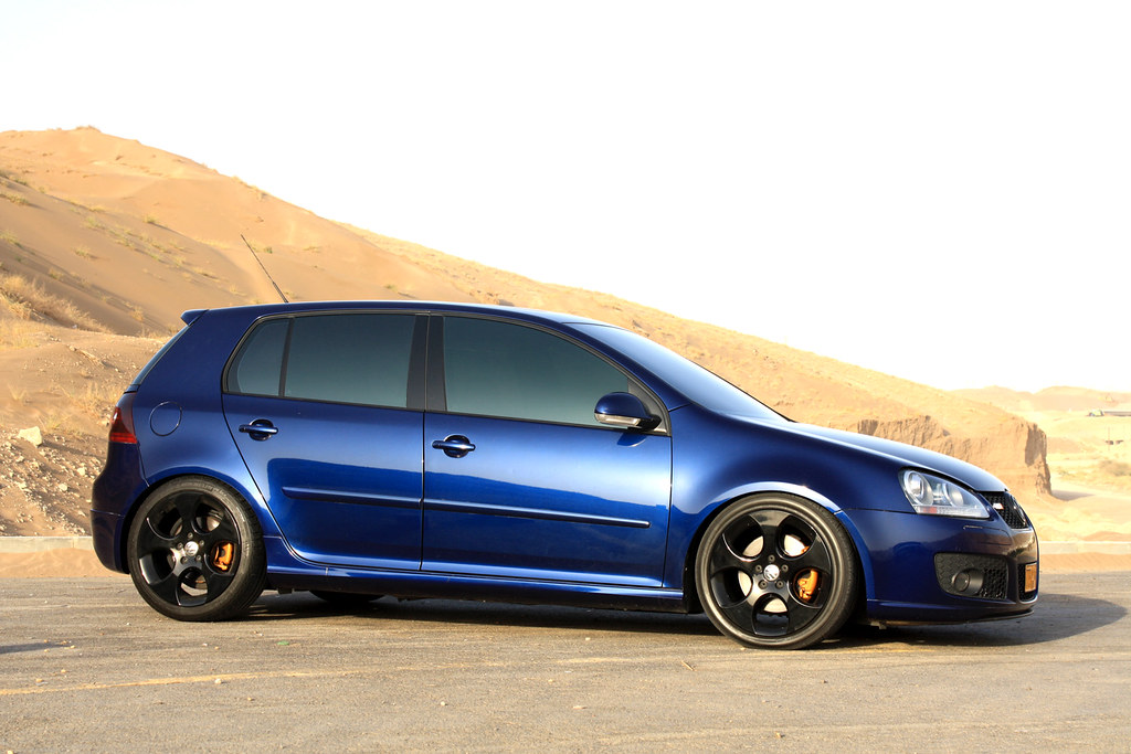 painted the rims and calipers gold gti new photoshoot vw gti forum vw rabbit forum vw. Black Bedroom Furniture Sets. Home Design Ideas