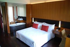 room(1.0), property(1.0), suite(1.0),