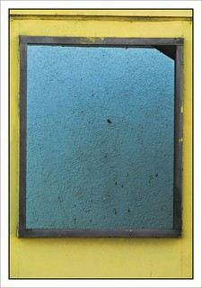Yellow frame to blue