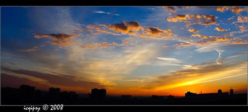 city roof summer sky panorama cloud sunrise canon landscape 50mm freedom russia moscow lightroom панорама москва небо город россия пейзаж лето облака крыша рассвет свобода 400d icqipsy