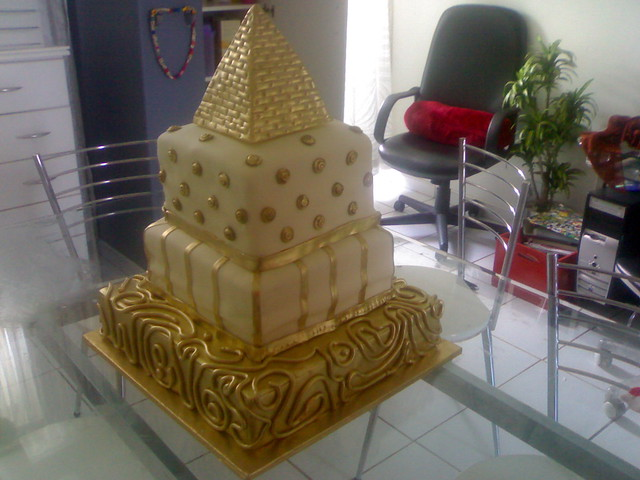 Egyptian Birthday Cakes http://www.flickr.com/photos/zaheerabadat/2835294888/