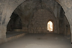 monastery(0.0), temple(0.0), fortification(0.0), tunnel(0.0), arch(1.0), ancient history(1.0), building(1.0), vault(1.0),