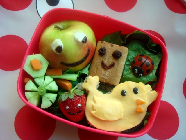 Smiley toddler bento