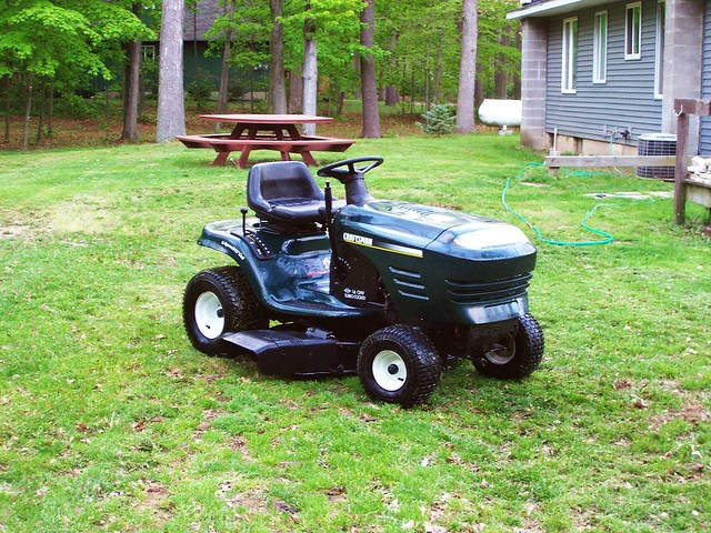 Custom Lawn Tractor Hood : My new lawn tractor a craftsman horse riding