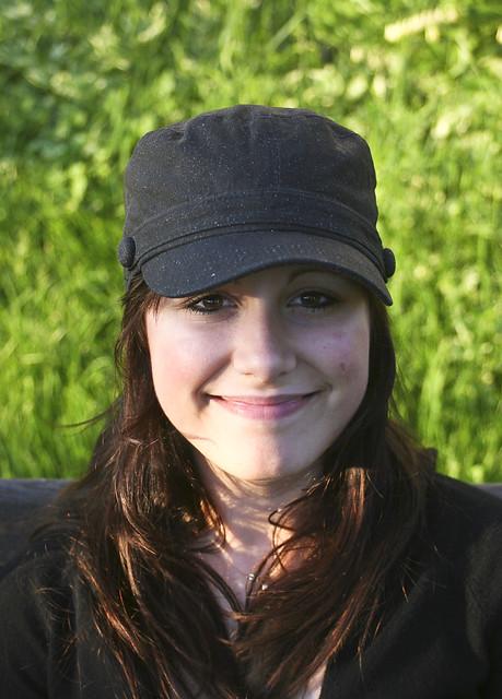 Carol-Ann à la casquette noire