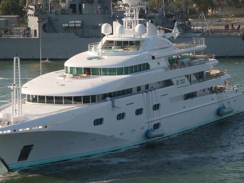 Donald Trump Yacht 2694798452_ed48d537d2.jpg