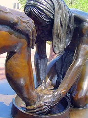 Jesus Washing Feet: Statue at Dallas Theological Seminary