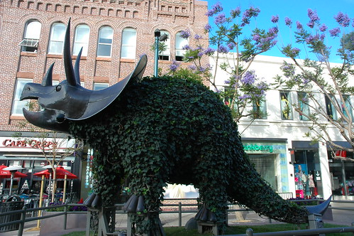 Giant chia pet, triceratops, dinosaur statue, Santa Monica, California, USA by Wonderlane