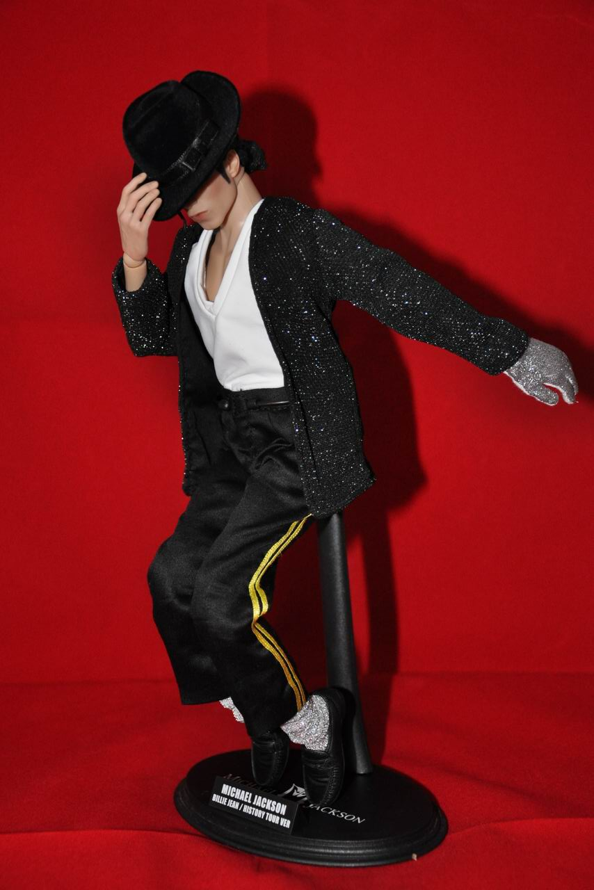 New pics of hot toys michael jackson page 2 for Jackson toys