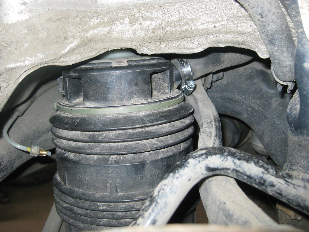How to change rear airmatic spring mercedes benz forum for Mercedes benz air suspension problem
