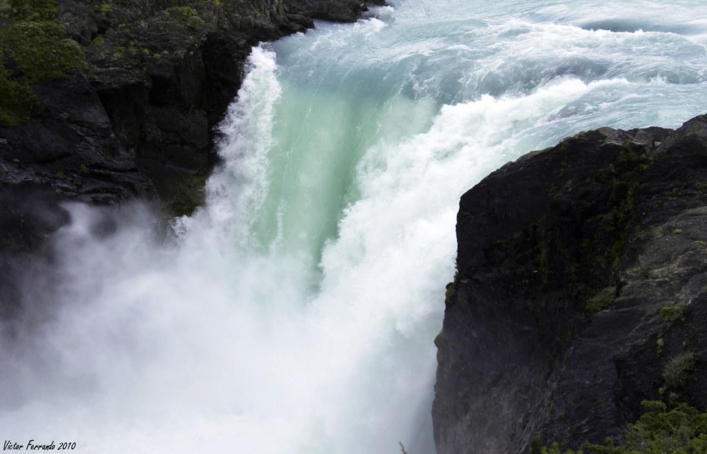 Salto Grande - Parque Nacional Torres del Paine - Patagonia - Chile