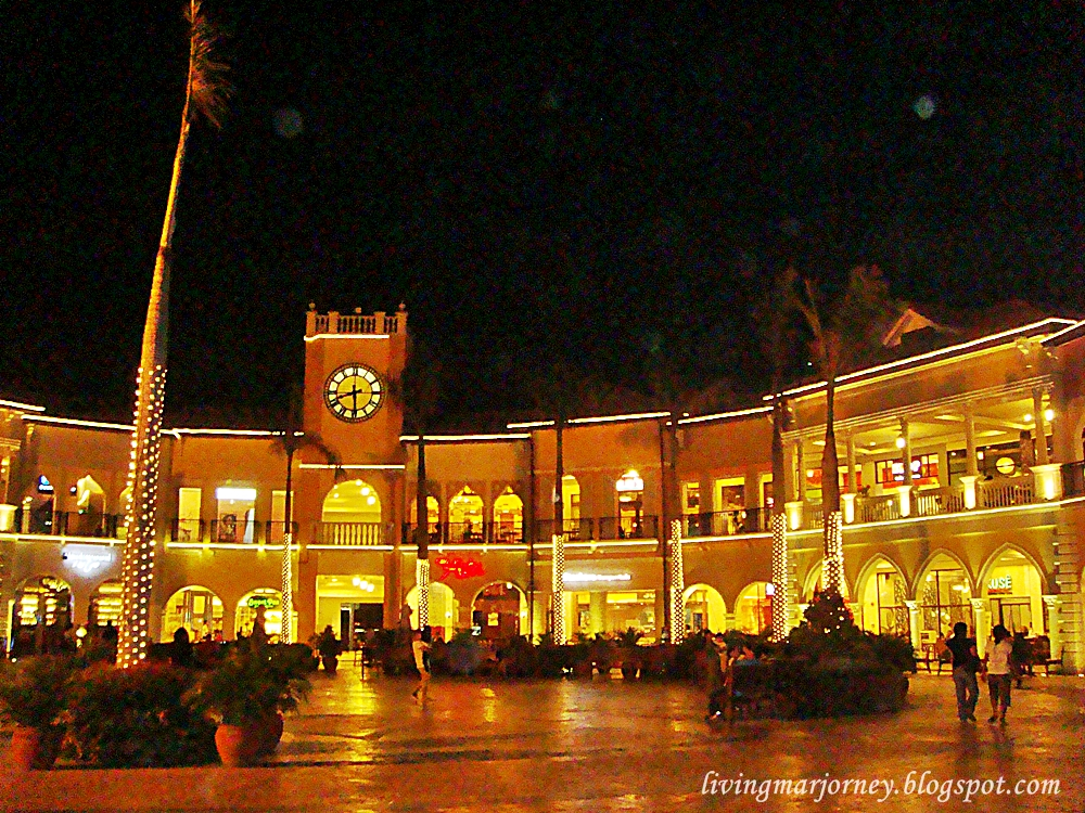 Night at Venice Piazza, McKinley Hill Taguig