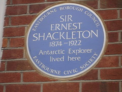 Photo of Ernest Shackleton blue plaque