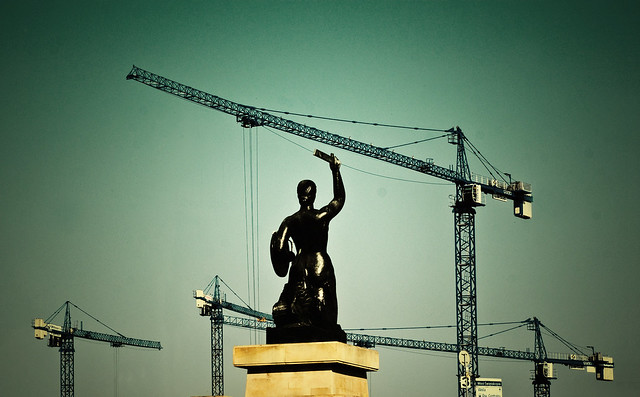 """Défendra-t-elle la ville?""  Photo de Greg Lobinski"