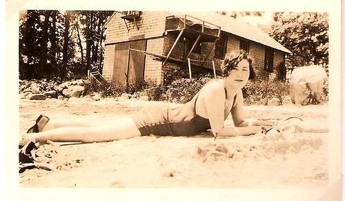 bathing beauty Mariette