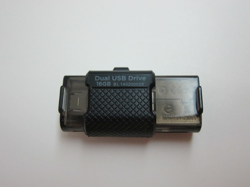 SanDisk Ultra Dual USB Drive - Bottom