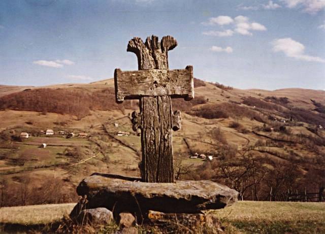 Cruce pe deal (Valea Largă, Alba)