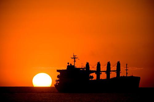 ocean sunset red sea sky sun sol silhouette america de atardecer mar rojo barco ship centro el cielo salvador elsalvador silueta puesta oceano centroamerica sonsonate acajutla carguero colourartaward