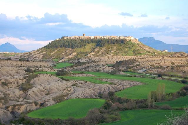 Berdún pueblos más fotografiados Pirineos