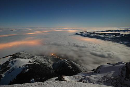 cloud mist snow mountains alps fog clouds schweiz switzerland citylights moonlight rigi lowcloud nebelmeer seaoffog kw45 schweizermittelland einsonce