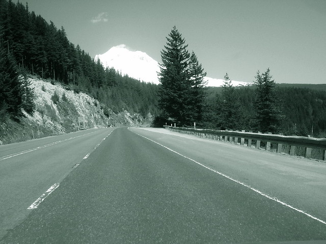 oregon_road_to_timberline