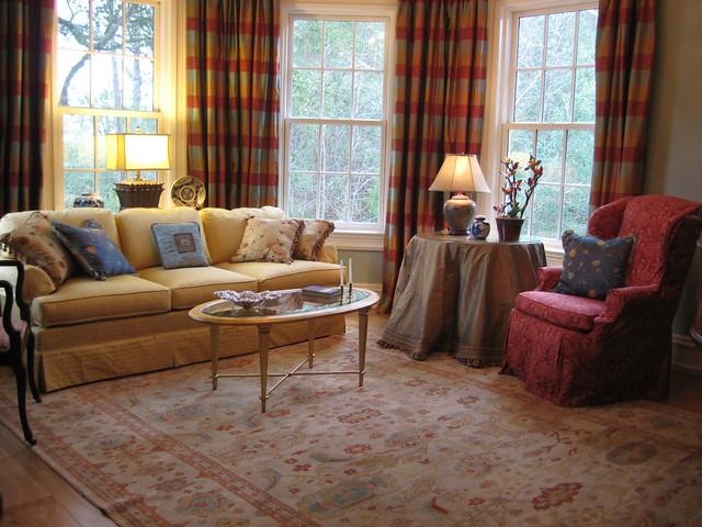 Traditional Elegant Living Room