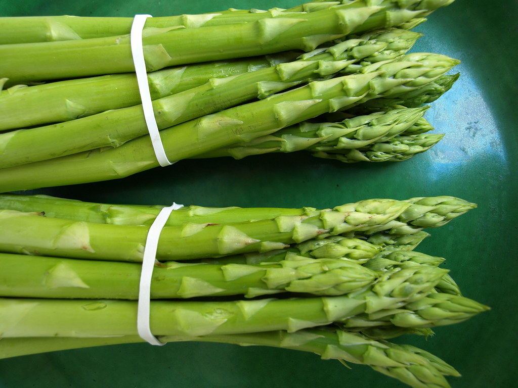 asparagus canned, drained solids