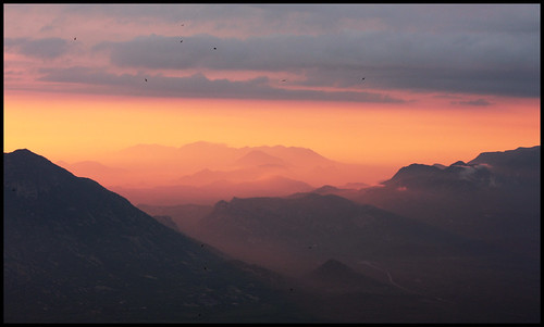 africa sunset mountains birds 50mm haze colours huila angola spectacle lubango serradaleba canon40d