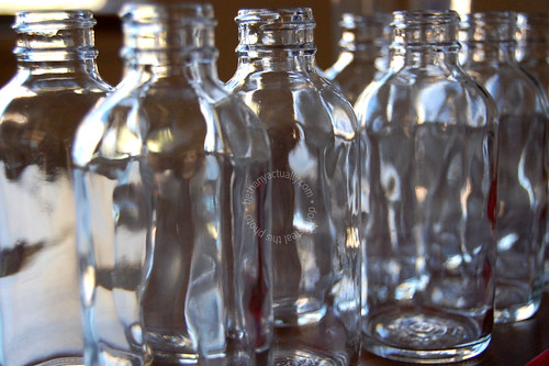 Make your own vanilla extract home remedies recipes for How to cut glass bottles lengthwise