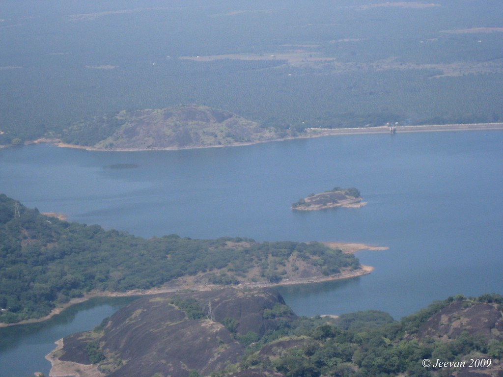 Upper view of Aliyar Dam
