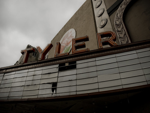 old red cinema abandoned sign marquee downtown texas olympus tylertx thearter e410 gtowneric