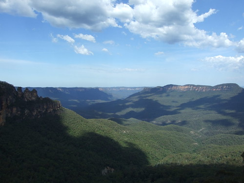 3454801239 0c8a80d42e The Magical Blue Mountains 6 Foot Walking Track