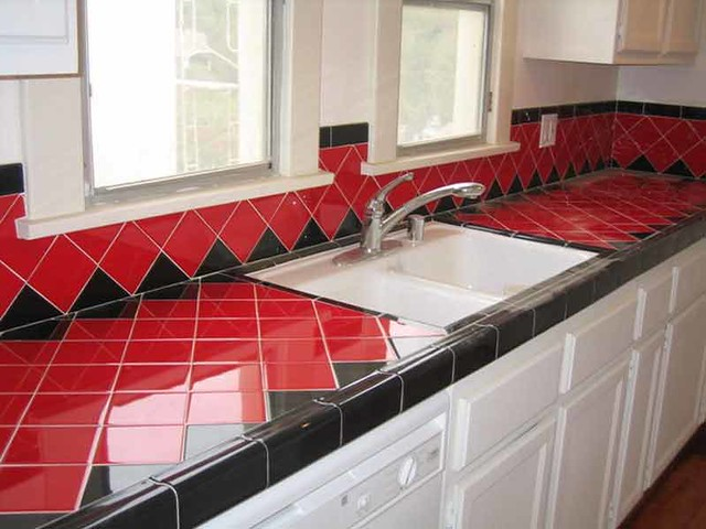 Delicieux Red And Black Deco Tile In LA Kitchen