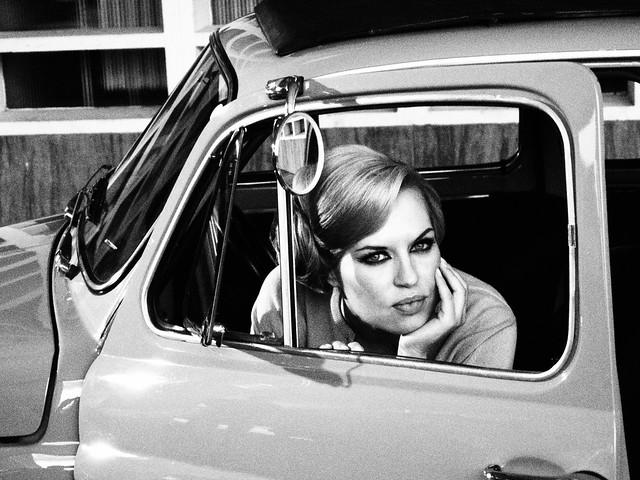Schwarz-Weißer Sixties Look.