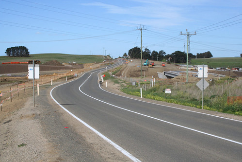 Barrabool Road looking east