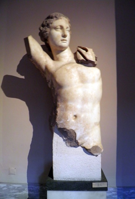 Statue of Apollo, Examples from the sculpture of Magnesia Ad Meandrum and Tralles, Istanbul Archeology Museum