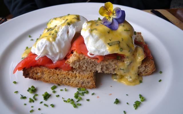Breakfast at Hastings House