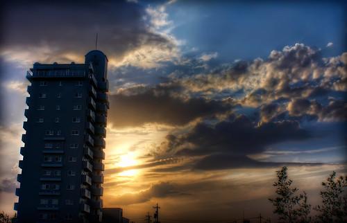 blue sunset red yellow japan photoshop canon landscape aperture 日本 hdr aichiprefecture chubu honshu 愛知県 mikawa photomatixpro 岡崎市 laspina eos450d 本州 中部地方 davidlaspina rebelxsi kissx2 1855efsis topazadjust okazakicity japandave japandavecom 三河国