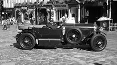 classic Bentley on the Royal Mile 05