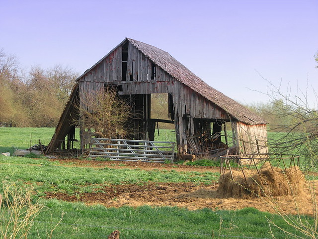 Old wood barn lamar missouri flickr photo sharing for Where to buy old barn wood