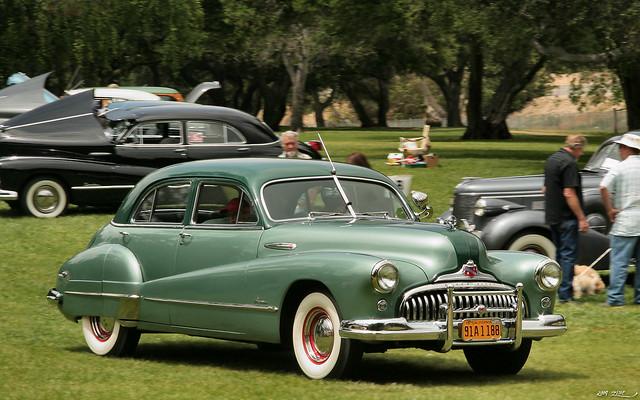 1948 Buick Super 4d sdn - TT green - fvr
