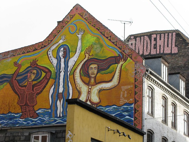 Happy hippie mural ndehul flickr photo sharing for Mural z papiezem franciszkiem